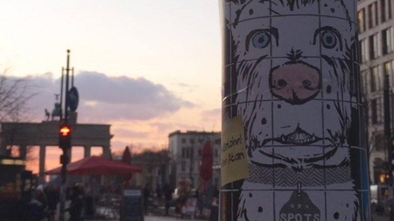 """Die Suche nach """"Spots"""", einer der Hauptfiguren des Eröffnungsfilms der Berlinale 2018 """"Isle of Dogs"""", führte durch ganz Berlin. Copyright: Madeleine Hofmann"""